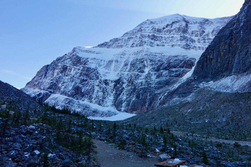 mount edith cavell valley