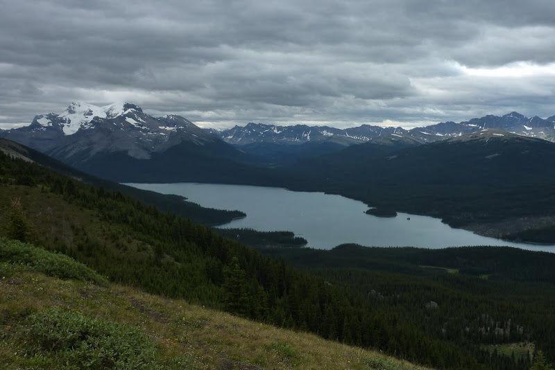 Maligne Lake Viewpoint