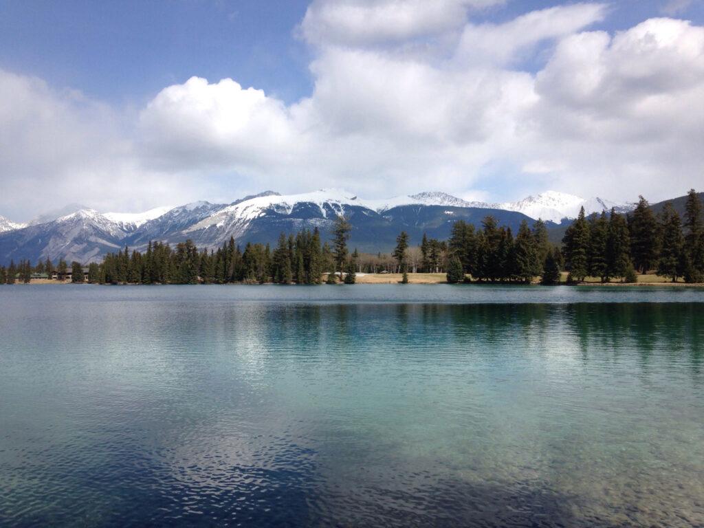 Jasper Park Lodge and Beauvert Lake Loop Trail