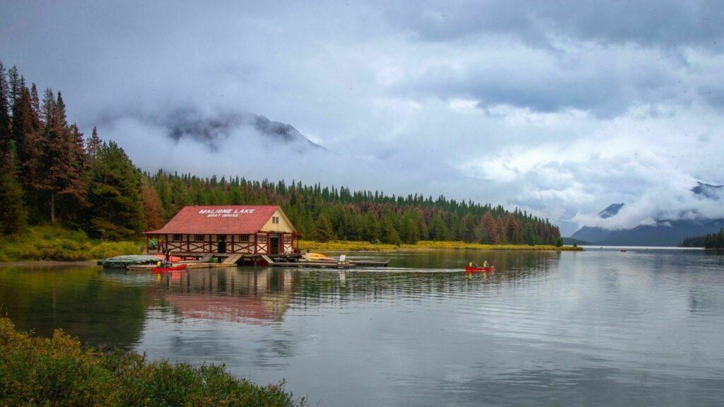 Maligne Lake Paddle