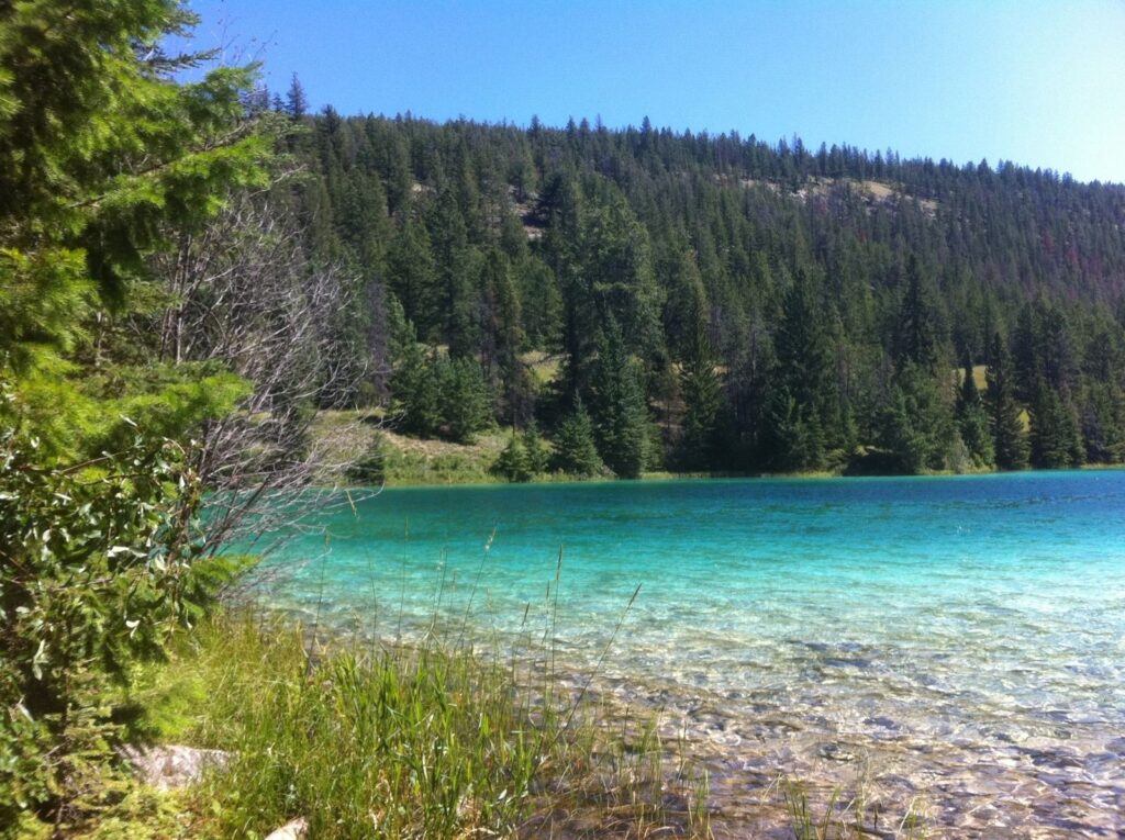 Valley of Five Lakes to Lake Annette