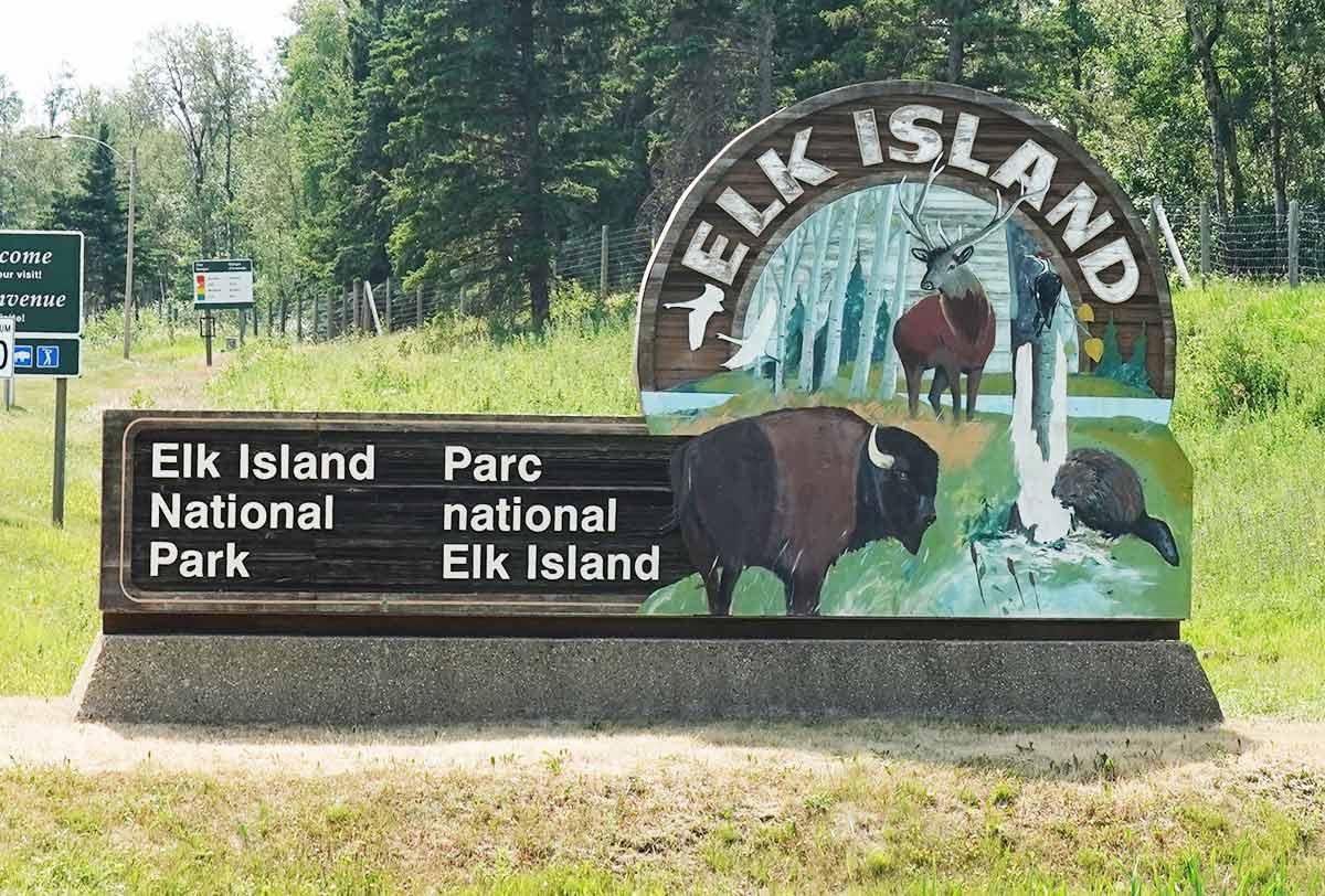 elk island national park canada